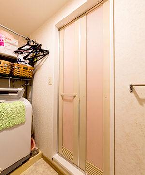 扉 交換 風呂 浴室ドア交換の費用と3つの交換方法