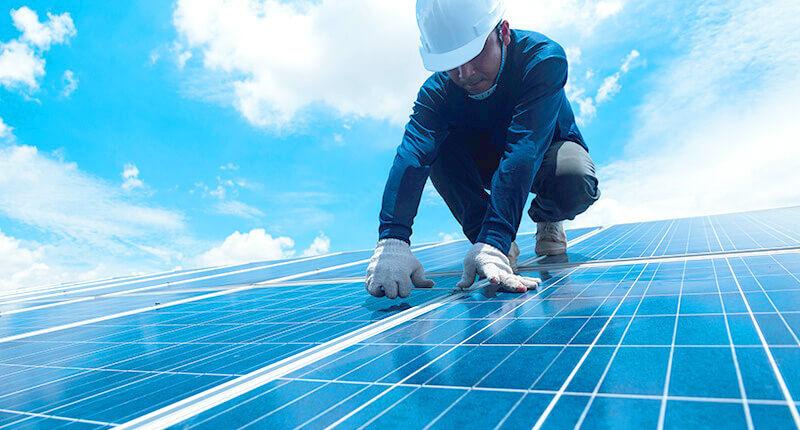 ソーラーパネルの交換
