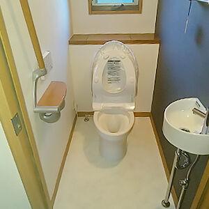 トイレと一緒に内装も変えて新しいトイレ空間になりました