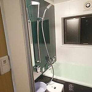 シャワールームを心地の良いアライズに交換しました