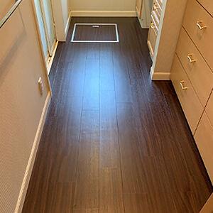 洗面所の床をお手入れしやすいフロアタイルに張替えました