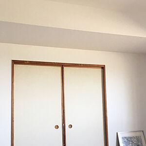 家の中心部分のクロス張替えで清潔感のある過ごしやすい空間へ