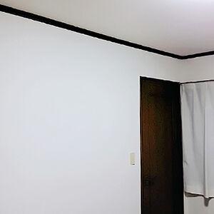 子供部屋の壁と天井のクロスを張り替えました