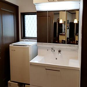 使い勝手の良さに加えて、優れたデザイン性の洗面化粧台