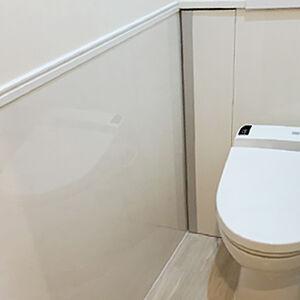 キッチンパネルを施工して、お手入れ簡単なトイレ空間に!