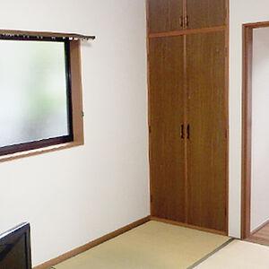 和室の壁を新しいクロスに張り替えました