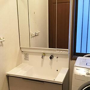 実用性を重視した洗面台に変えて、使い勝手がよくなりました