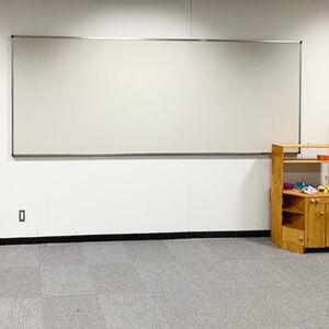 学内に掲示板を設置して情報共有が円滑になりました