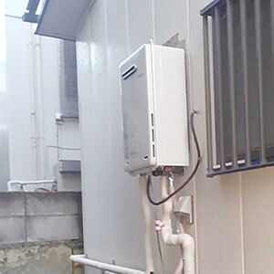 効率的に湯沸かし可能!コンパクトなガス給湯器に交換しました