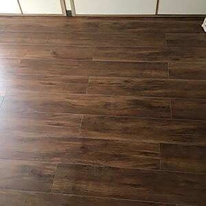 下地補修とフロアタイルに張替えて気になる床の沈みを解消