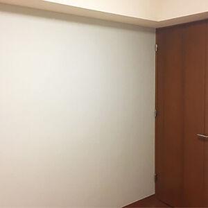 子ども部屋にするため、お部屋のクロスの張替えをしました