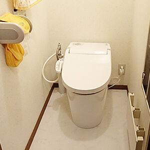 ご自宅の1階・2階のトイレ交換をして一新しました