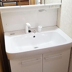 どこにでもフィットする洗面台、オフトに交換しました