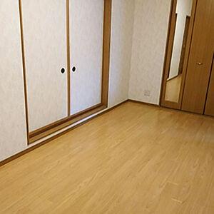 ご自宅の洋間の床を、フロアタイルへリフォーム