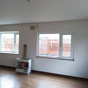購入した中古住宅のクロス張替えをしてご入居準備