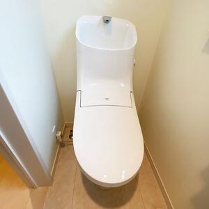 手洗いしやすい手洗鉢が特長のリクシル・アメージュZAに交換
