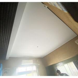 屋根からの漏水で被害にあった天井を修復