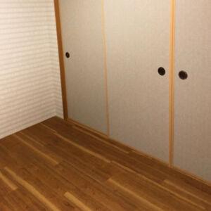 和室の畳を木目調のフロアタイルに張替えました