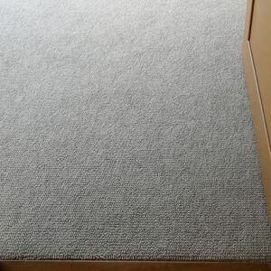 クッション性と保温性に優れたカーペットで心地よいお部屋