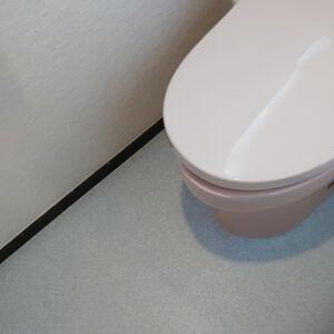 トイレの内装をまるごと変えて快適空間になりました