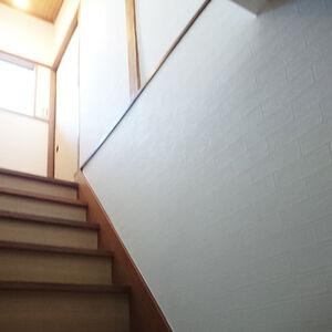繊維壁からクロスに張替えてお部屋のイメージを一新