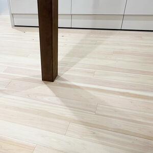 リビングとキッチンの境目の段差を床張替えですっきり解消