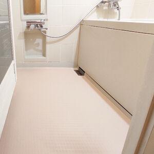 浴室の床張替えをして明るく綺麗になりました