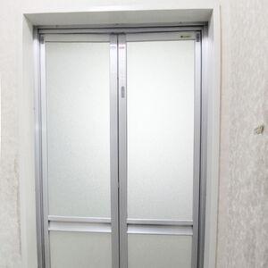 リノコのリフォームでキレイな浴室ドアに早変わり