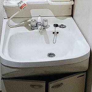三つのキャビネットタイプから選べる洗面台にリフォーム