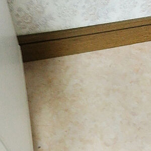 キッチンの床を大理石調のクッションフロアに張替え