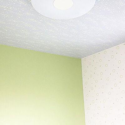 ポップなグリーンのクロスで張替え明るく元気な子供部屋へ
