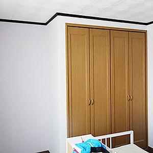 板張りの壁を白いクロスで張替え明るいお部屋へ
