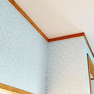汚れた壁紙を張替え明るく爽やかな印象のキッチンへ