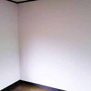 臭いの気になる寝室のクロスを消臭壁紙でリフォーム