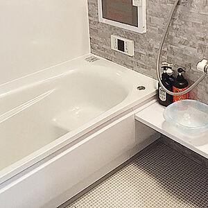 翌朝靴下で入っても濡れないタイルを備え持つお風呂に交換