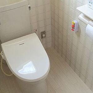 優しい雰囲気の内装になり節水機能トイレも設置