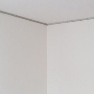 白いクロスで張替えて明るさが際立つお部屋へ