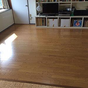 クリスタル塗装が施されたフローリングに張替え艶やかな床へ