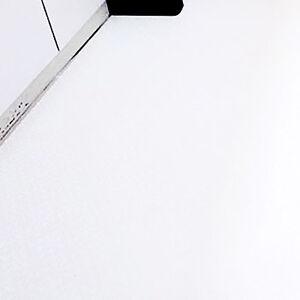 床の張替えで白で統一された気持ちのいい洗面所へ変わる