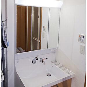 LIXIL ピアラの洗面台はデザイン性と収納力を兼備