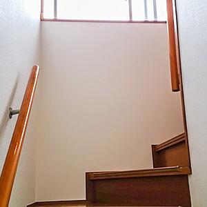 クロス張替えとお仏壇の収納スペース確保ための内装リフォーム