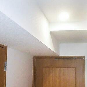 順番にクロスを張り替えて、家中が新築のように変身