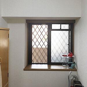 カビが凄かったお部屋もサンゲツの壁紙で気持ちの良い空間へ