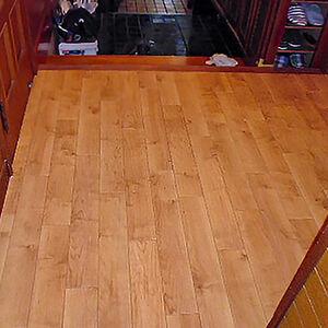 サンゲツのクッションフロアで清潔感のある綺麗な床に大変身