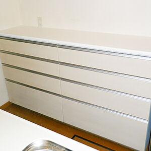今あるシステムキッチンの食器棚だけ追加したい