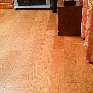 朝日ウッドテックのライブナチュラルで木目が鮮やかな床へ