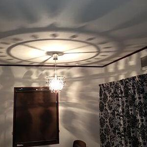 表面強化や汚れに強いクロスの素材で明るいお部屋を実現