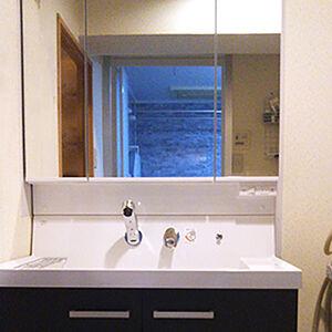 機能性抜群でお手入れ簡単な洗面台に替えて毎日快適に