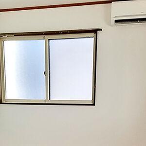 空いた部屋に表面強化が施されたクロスをリフォーム
