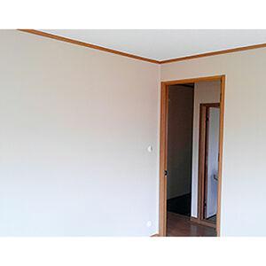洋室のクロス張替えとひび割れした壁の補修